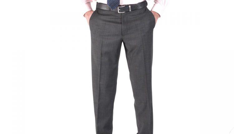 gri pantolon – uçuk pembe gömlek
