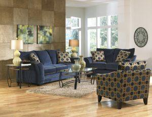 mavi koltuk takımıyla dekorasyon