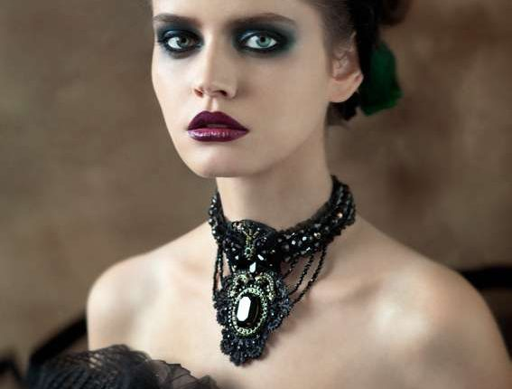 şık gotik makyaj