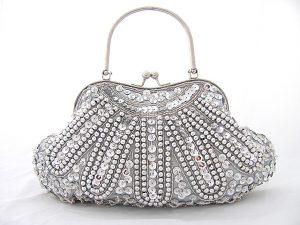 gümüş rengi gece çantası modelleri