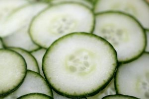 salatalık suyu ile cilt beyazlatma
