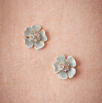 kristal taşlı çiçek küpe