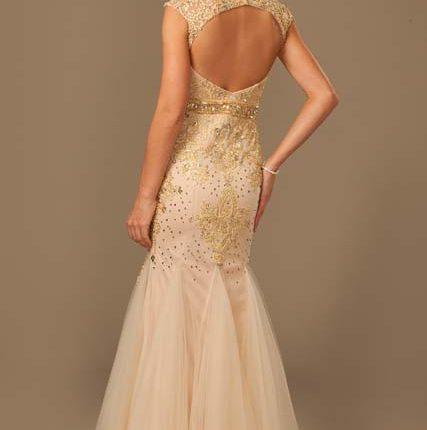 altın rengi gece elbisesi