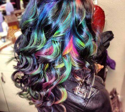 saç tebeşiri ile renkli saçlar