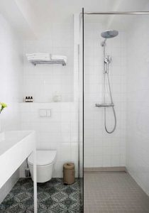 Hotel Henriette bathroom photos
