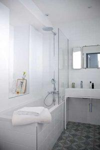 Hotel Henriette-bathrooms