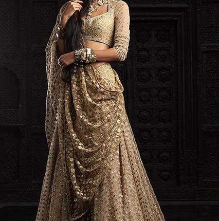 Indian wedding dress by Tarun Tahiliani